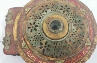 Bin 100 yıllık İbranice kitabı satarken yakalandılar!