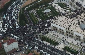 Binler Çamlıca Camii'ndeydi