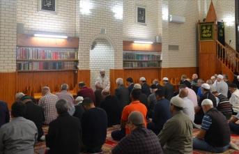 Diyanet İşleri Başkanı Erbaş terör saldırısının mağdurlarıyla görüştü