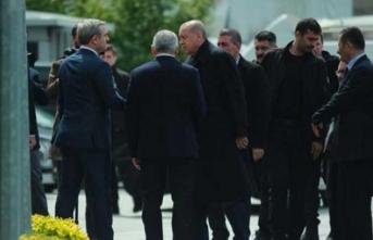 Erdoğan çok önemli toplantı için İstanbul İl Başkanlığı'nda