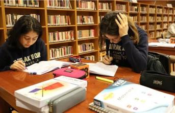 İBB'nin 'Hiç Kapanmayan Kütüphaneleri'nden 800 bin kişi faydalandı