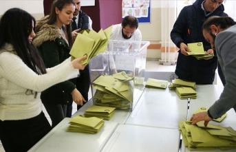 İstanbul'da iki ilçede geçersiz oylar yeniden sayılacak