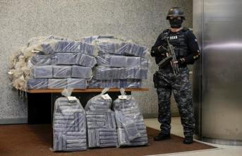 Kokain dolu paketler sahile vurdu...