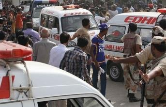 Otobüsü durduran silahlı saldırgan 14 kişiyi öldürdü
