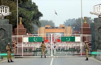 Pakistan-Hindistan sınırı yeniden ısındı!