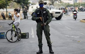 Venezuela'daki darbe girişimine AK Parti'den ilk tepki