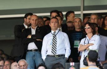 Fenerbahçe Galatasaraylı yöneticileri topa tuttu!