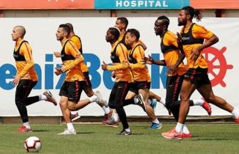 Galatasaray, Çaykur Rizespor maçına 2 eksikle hazır