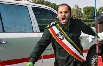 İran'da güvenlik güçlerine saldırı: Ölü ve yaralılar var