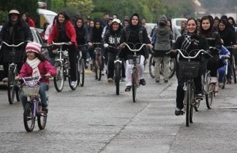 İran'da kadınlar için artık yasak!