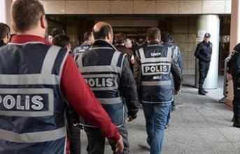 İzmir'de FETÖ operasyonu! 8 gözaltı