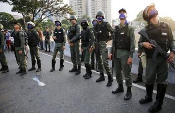 Maduro açıkladı: Bu darbe girişimi cezasız kalmayacak