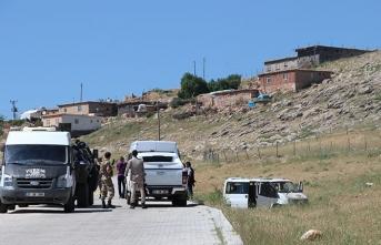 Muhtar ve babası silahlı saldırıda hayatlarını kaybetti