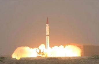"""Pakistan: """"1500 km'lik balistik füzemiz başarılı oldu!"""""""