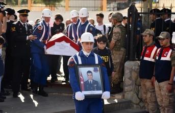 Şehit Astsubay Gidergelmez'in cenazesi toprağa verildi