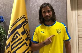 Süper Lig oyuncusu sözleşmesini tek taraflı feshetti!
