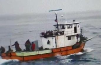 Türk balıkçı teknesini batırdılar! Yaralılar var