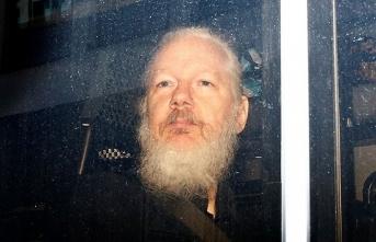 Wikileaks'in kurucusuna hapis cezası!
