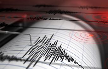 6.8 şiddetinde deprem! Tsunami uyarısı yapıldı