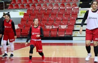 A Milli Kadın Basketbol Takımı hazırlıklarını sürdürüyor