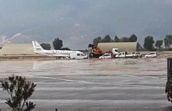 Bodrum'da uçak pistten çıktı....Havalimanı uçuşlara kapatıldı