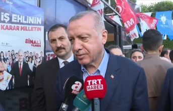 Erdoğan'dan AK Parti ve MHP seçim bürolarına ziyaret