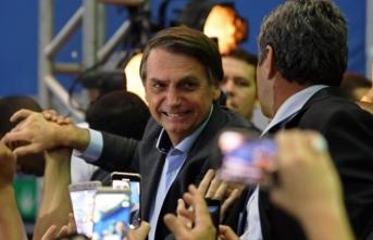 Trump yanlısı Bolsonaro şaibeli bakanını savundu