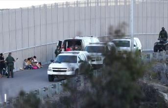 ABD-Meksika sınırında son bir yılda 911 çocuk ailelerinden koparıldı
