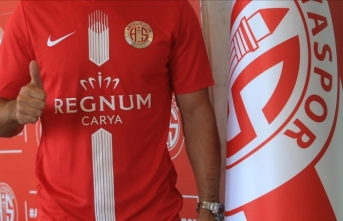 Antalyaspor, Arjantinli santrfor Leschuk'u transfer etti