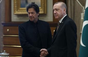 Pakistan Başbakanı, Cumhurbaşkanı Erdoğan'ı aradı
