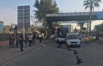 Adana'da polis aracına kalleş saldırı!