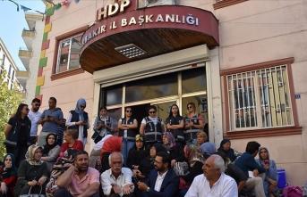 Diyarbakır annelerine sanatçılardan destek