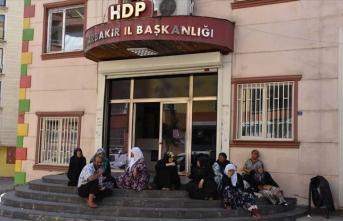 STK'lardan Diyarbakır annelerinin oturma eylemine destek