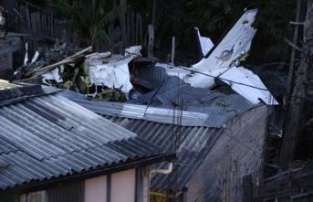 Hava kuvvetlerine ait Çin yapımı uçak düştü: Ölenler var