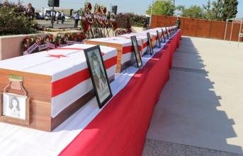 45 yıl önce katledilen 21 şehit defnedildi