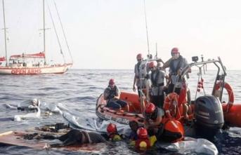 90 düzensiz göçmen kurtarıldı