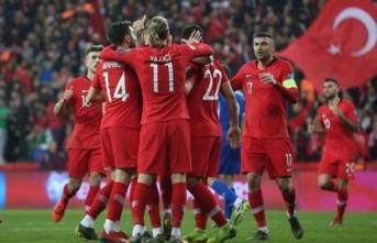 A Milli Takım, EURO 2020 vizesi için İzlanda karşısında! İşte Güneş'in ilk 11'i...