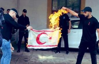 KKTC bayrağı yakan o alçakların kimlikleri tespit edildi!