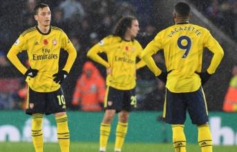Leicester City Arsenal'i ikinci yarıda bulduğu gollerle yendi