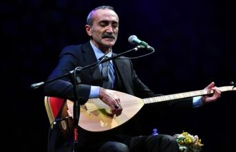 Türk Halk Müziği sanatçısı Cengiz Özkan'dan türkü ziyareti
