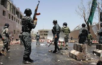 Güvenlik güçlerine sızan militanlar saldırdı: 20'den fazla polis ve asker öldü