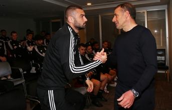 Avcı, Beşiktaşlı futbolcularla vedalaştı