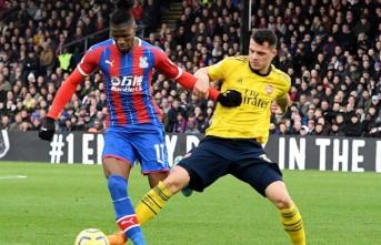 Cenk Tosun yeni takımı Crystal Palace ile ilk maçına çıktı
