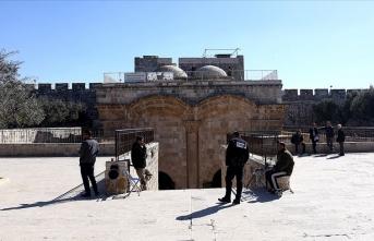 Eski Şehir'in surlarına Filistin bayrağı asıldı