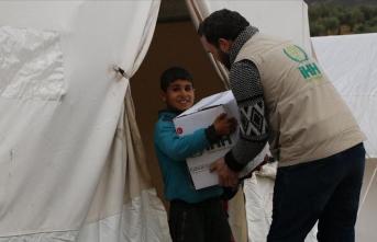 İHH'den Esed rejiminin yerinden ettiği sivillere gıda yardımı