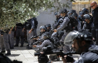 İşgalci İsrail'den Mescid-i Aksa'ya baskın! Tekbir sesleri