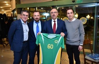 İÜ Rektörlüğü, Hentbol Takımının başarı sevincine ortak oldu