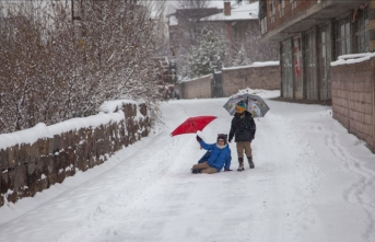 Üç ilde eğitime kar engeli