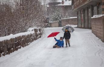 Dört ilde eğitime kar engeli!
