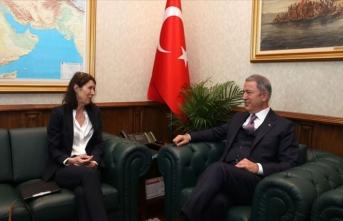 Bakan Akar, Hollanda Büyükelçisi Kwaasteniet'i kabul etti
